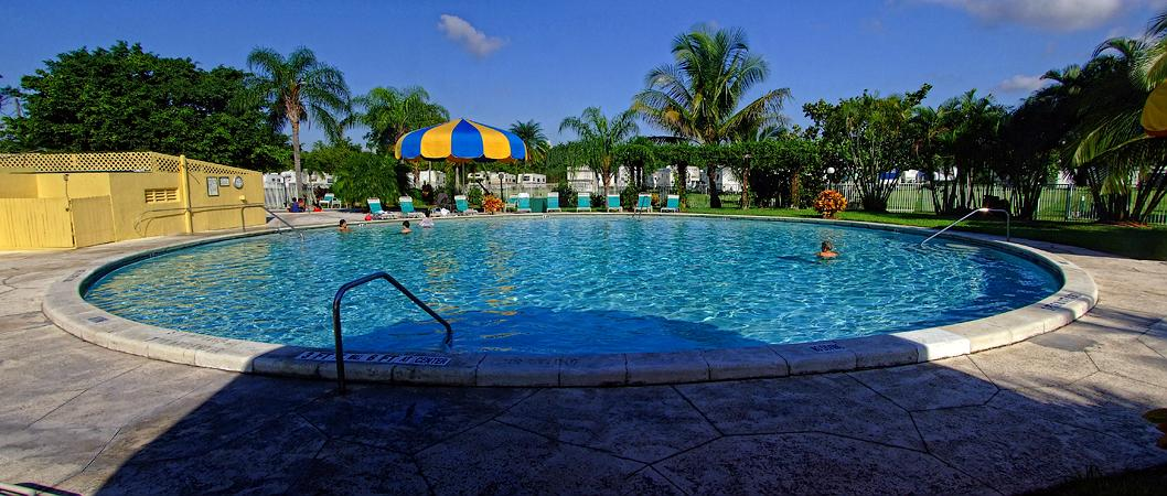 Pool des campingplatzes miami fl for Pool billig